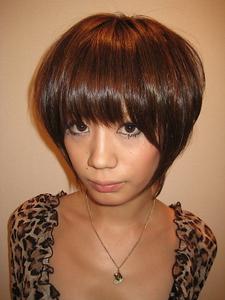 トップにボリュームがあるショート。|Buzz salon for hair   のヘアスタイル