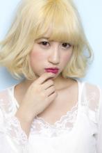 肌色に馴染みとびきり可愛い印象を与えるイエローハニーゴールド|Beauty&Care CALON 銀座 松田 力のヘアスタイル