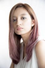 ダスティピンクベージュでグラデーションカラースタイル|Beauty&Care CALON 銀座 西海 洋のヘアスタイル