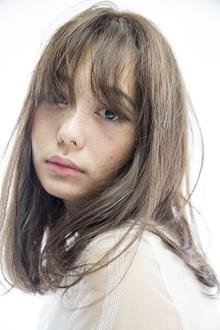 無造作感がセンシュアルなロブミディ&ブルージュカラー|Beauty&Care CALON 銀座のヘアスタイル