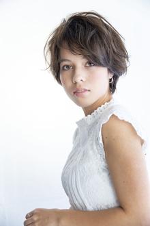 【フワッとしたエアリー感】女性らしさを引き立てて Beauty&Care CALON 銀座のヘアスタイル