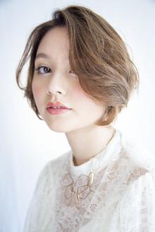 【エレガントに攻める】シンプルな上品ショートスタイル Beauty&Care CALON 銀座のヘアスタイル