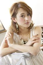 カールと相性バツグンのレディなねじりアレンジ|CARE KOBE Sumiko Ikeda(池田 須美子)のヘアスタイル
