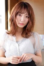 毛先のハネ感が可愛いふんわり脱力系ミックスカール|CARE SHINSAIBASHIのヘアスタイル