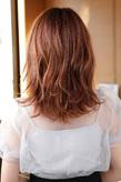 毛先のハネ感が可愛いふんわり脱力系ミックスカール