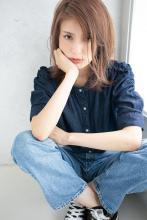 ナチュラルな外ハネミディ☆大人可愛い☆小顔|CARE SHINSAIBASHI 宮崎 隆和のヘアスタイル
