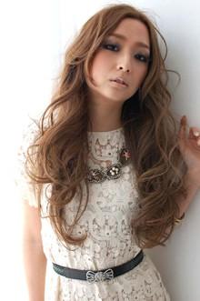 グラマラスカール CARE SHINSAIBASHIのヘアスタイル