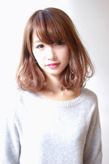 【CARE】ゆるふわミディアムボブ|CARE UMEDAのヘアスタイル