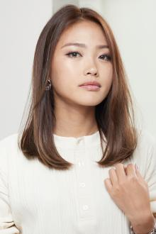 うるおいストレートヘア|CARE UMEDAのヘアスタイル