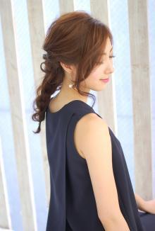 編み込みハーフアップ|CARE UMEDAのヘアスタイル