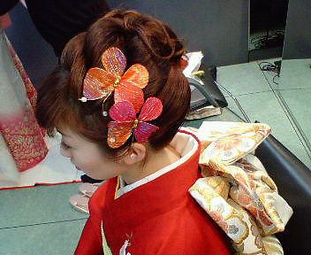 ワザありまとめ髪で印象に|美容室 C'EST lA'ViEのヘアスタイル