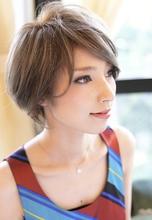 外国人風前下がりショート|CHANDEUR 栄久屋大通店のヘアスタイル