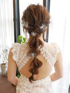 編み下ろしルーズポニーテール|個室型美容院 MIRA RESCA 栄のヘアスタイル