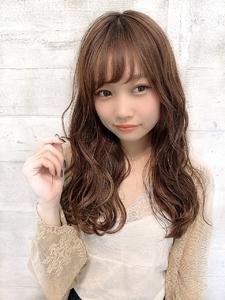 柔らかグレージュ♪甘めゆるふわカール|CHANDEUR 栄 【個室型サロン】のヘアスタイル