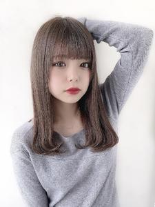 #フォギーアッシュ #ナチュラルストレート|CHANDEUR 栄 【個室型サロン】のヘアスタイル