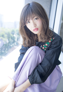 ハイライト+Wグレーアッシュカラー|CHANDEUR 栄 【個室型サロン】のヘアスタイル
