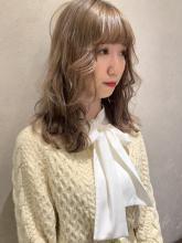 クリーミーベージュ×ウェーブ巻き|CHANDEUR 栄 【個室型サロン】のヘアスタイル