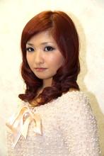 重めのクラシカル風巻き髪スタイル|Cherirのヘアスタイル