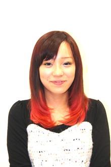 つやつやピンクのグラデーションカラー|Cherirのヘアスタイル