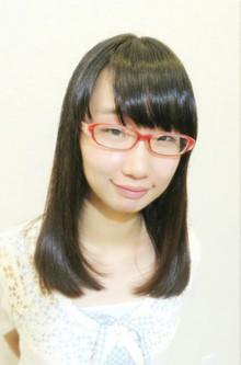 メガネ系アイドルの、清楚な黒髪スタイル!|Cut wa Coconi (交野市美容室・美容院)のヘアスタイル