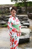 かわいい浴衣と美しい川辺にあった、アップスタイル!