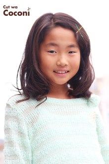 かわいいお子様カット〜前髪を、流行のピンで十字に留めて いい感じですね!!!|Cut wa Coconi (交野市美容室・美容院)のヘアスタイル