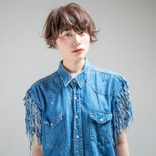暗髪ショート×ニュアンスパーマ|DaB OMOTESANDOのヘアスタイル