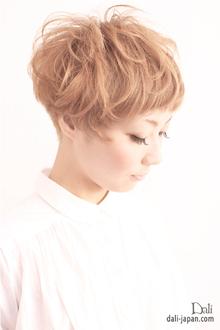 キュートなショートスタイル|Dali  梅田 ダリ梅田店のヘアスタイル