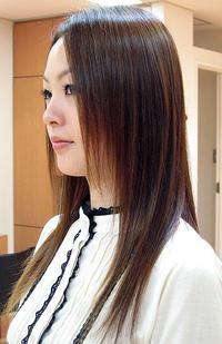 縮毛矯正なのにしっとりしなやかに★くせは伸ばしつつツヤ感をキープ
