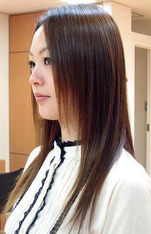 縮毛矯正なのにしっとりしなやかに★くせは伸ばしつつツヤ感をキープ|DEARNAのヘアスタイル