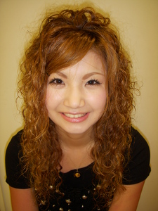 ふんわり〜スパイラルパーマ|DEARNAのヘアスタイル