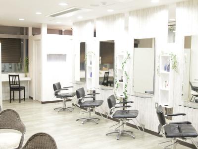 新横浜ヘアサロン クローバー 本店