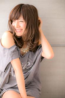 【Euphoria】うるっとした艶感で女性らしさ溢れる☆大人セミディ|Euphoria HARAJUKUのヘアスタイル