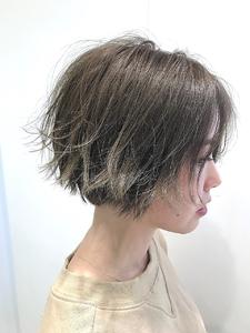 【EuphoriaHARAJUKU】透明感グレージュ×センターパート担当宍戸|Euphoria HARAJUKUのヘアスタイル