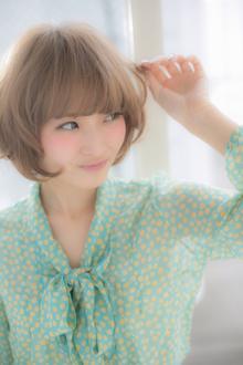 ハイトーンカラー、シフォングレージュショート|Euphoria 【ユーフォリア】新宿店のヘアスタイル