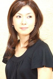 フェミニンゆるウェーブ Euphoria 【ユーフォリア】新宿店のヘアスタイル