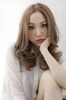 【Euphoria】ミディアムシャーベットアッシュ|Euphoria 【ユーフォリア】新宿店のヘアスタイル