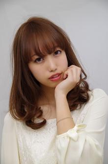 【Euphoria】セミミディアム春甘めスタイル|Euphoria 【ユーフォリア】新宿店のヘアスタイル