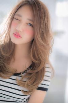 女の子の憧れを詰め込んだ☆無敵の極甘ロング☆|Euphoria【ユーフォリア】新宿通りのヘアスタイル