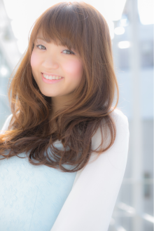 大人かわいいふわゆれロング|Euphoria【ユーフォリア】新宿通りのヘアスタイル