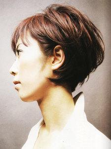 自然体でエアリー感のある、カジュアルボブスタイル|FACE DECOのヘアスタイル