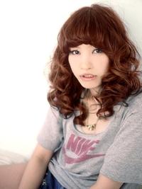 キュートな強めカーリーヘアでマニッシュ&ガーリッシュ!!!