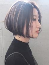 飾らないナチュラルな透け感ショートボブ|FAIR LADY 下北沢店のヘアスタイル