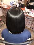 プルームキラ髪ストレート