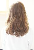 毛先強めのパーマスタイル