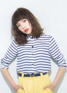 短めの厚めバングと重めミディアムスタイル|GARDEN Tokyoのヘアスタイル