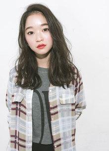 女性らしい色気を引き出せるようなアンニュイなパーマ|GARDEN Tokyoのヘアスタイル