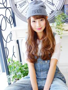 ニット帽が似合う☆ふわ可愛いロング|hair jurer deuxのヘアスタイル