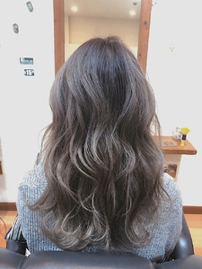 柔らかなベージュカラー HAIR MAKE FEEL 本店のヘアスタイル