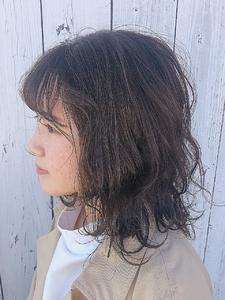 落ち着きのあるグレージュカラー HAIR MAKE FEEL 本店のヘアスタイル